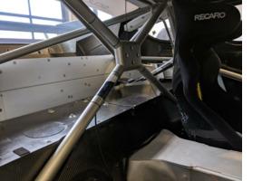 Aston Martin DBR9 GT1